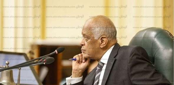 """""""عبدالعال"""": النواب يتهمون """"السادات"""" بتزوير توقيعاتهم على القوانين"""
