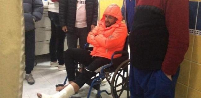 بالصور| إصابة حماقي بكسر بالغ في قدمه وينتظر جراحة دقيقة
