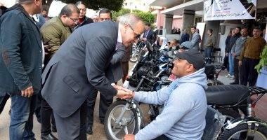 توزيع 8 دراجات بخارية على ذوى الإحتياجات الخاصة بالقليوبية