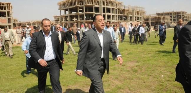 """رئيس """"تنمية 6 أكتوبر"""": تنفيذ أعمال الطرق لخدمة 8 آلاف وحدة بـ800 فدان"""
