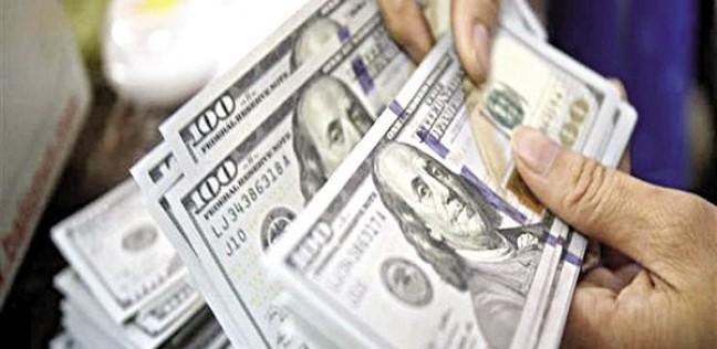 الدولار يفقد 23 قرشا في 12 يوما.. والذهب يتراجع جنيهان
