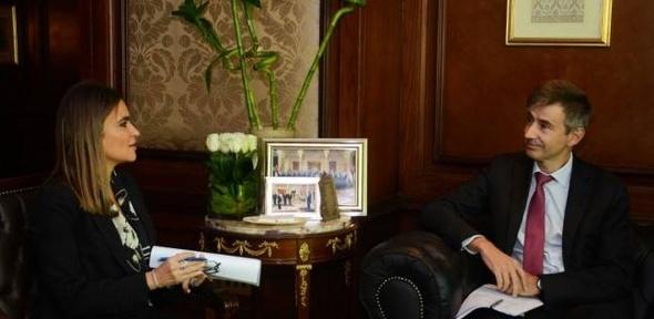 سحر نصر تناقش مع السفير السويسري سبل تدعيم التعاون بين الدولتين