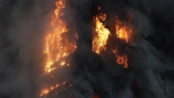 أهالى قتيل ميت أبو الحسين باجا يشعلون النيران بمنازل عائلة القاتل