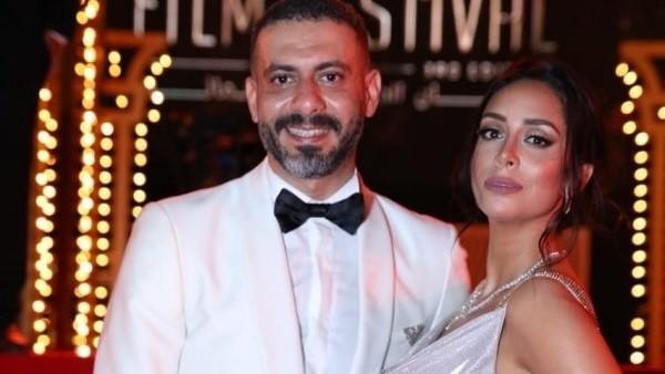 بحمالات وجريء.. خطيبة محمد فراج تواصل إثارة الجدل بفستان أسود