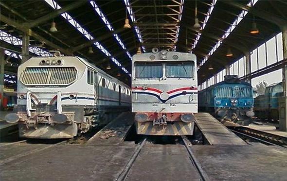 شاهد.. رئيس هيئة السكك الحديدية يعلن حقيقة رفع أسعار تذاكر القطارات