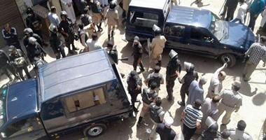 أمن قنا يقتحم قرية كوم هتيم لضبط طرفى مشاجرة أسفرت عن وفاة 6 أشخاص