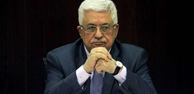تفاجأ بأنها مذاعة على الهواء.. عباس يقطع كلمة هاجم فيها دول عربية