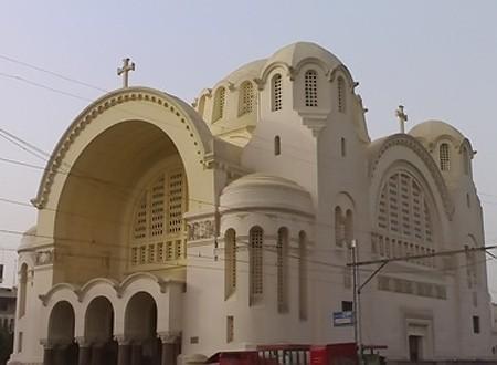 الداخلية: ضبط المتهم بالتعدي على أمن كنيسة القديسين بالإسكندرية