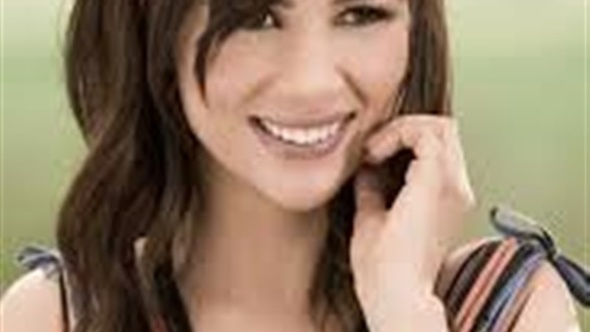 """شيما هلالي تصدر كليب أغنية """"عقلته"""""""