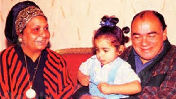 عاش هنا يوثق تحول محمد رضا من مهندس بترول إلى أشهر معلم في السينما.. وهذه كواليس مشاركته فى تفجير الحفار الإسرائيلى ووقوفه على المسرح رغم وفاة ابنته