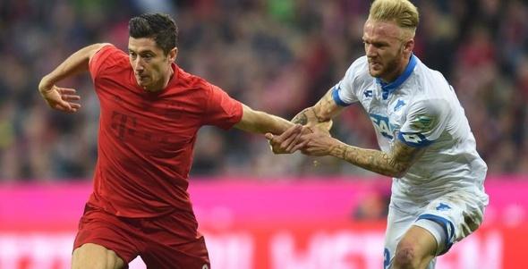 """بالفيديو  """"النيران الصديقة"""" تنقذ بايرن من أول خسارة في الدوري الألماني"""