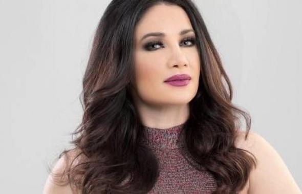 """ديانا حداد تهنئ """"الديفا"""" بجائزة مهرجان الفضائيات العربية: """"ألف مبروك"""""""