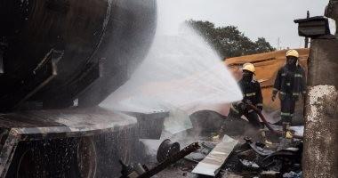 إخماد حريق بمخلفات بشبكة توزيع كهرباء عتاقة فى السويس