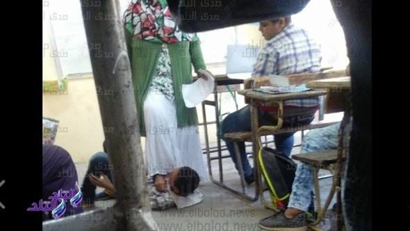 التعليم : تحقيقاتنا أثبتت أن الإخصائية لم تضع طالب عين شمس تحت قدمها