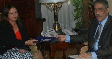 """رسمياً ..ضياء رشوان يسلم الـ """"بى بى سى"""" احتجاج """"العامة للاستعلامات"""""""