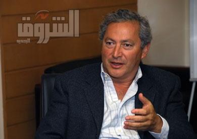 سميح ساويرس: إصرار الحكومة على لعب دور أساسي في السوق العقارية «كارثي»