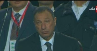 شاهد.. الحزن يظهر على ملامح الخطيب خلال متابعة مباراة الأهلى والمقاصة