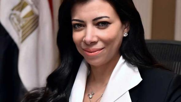 وزيرة الاستثمار تعود للقاهرة قادمة من لندن بعد تسوية ودية مع شركة دولية