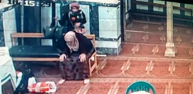 حبس فتاتي واقعة سرقة حقيبة داخل مسجد سيدي بشر في الإسكندرية 4 أيام