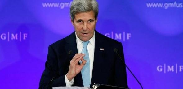 كيري يدين هجوم طالبان على قاعدة عسكرية أميركية في أفغانستان