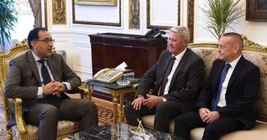 رئيس الوزراء يلتقى مسئولى شركة سوميتومو إلكتريتك اليابانية