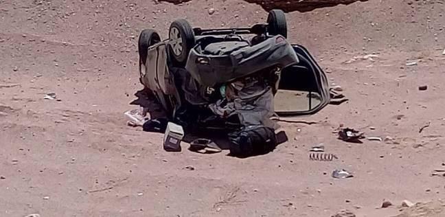 """مصرع مجندين وإصابة 6 في انقلاب سيارة على طريق """"الغردقة - سفاجا"""""""
