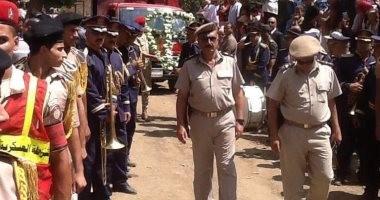 صور.. جنازة عسكرية للعقيد أحمد الجعفرى بمسقط رأسه بالغربية