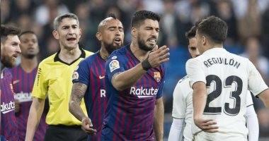 كواليس مشادة مدافع ريال مدريد مع سواريز وميسي فى الكلاسيكو.. فيديو