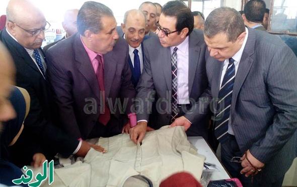 وزير القوى العاملة يزور شركة الشوربجي للغزل بالجيزة