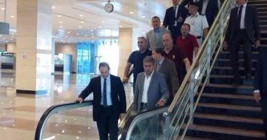 بالصور.. وزير الطيران يتفقد مبنى الركاب الجديد بمطار القاهرة