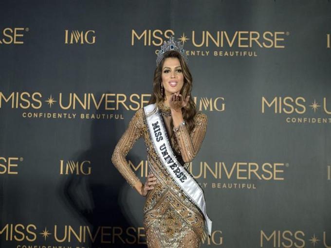 ملكة جمال الكون فى القاهرة