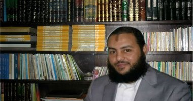 """داعية سلفى مهاجمًا الشيخ """"ميزو"""" بعد ادعائه المهدية: يكذب ويحتاج لعلاج"""