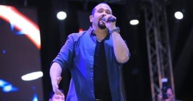 هشام عباس يحيى أول حفل غنائى فى شم النسيم بعد وفاة والدته