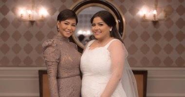 مبروك يا نور عين أختك.. شيرين عبد الوهاب تهنئ شقيقتها بمناسبة زفافها