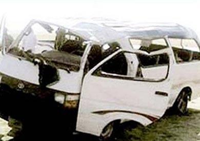 مصرع طالبة وإصابة 11 في انقلاب سيارة بالمنوفية