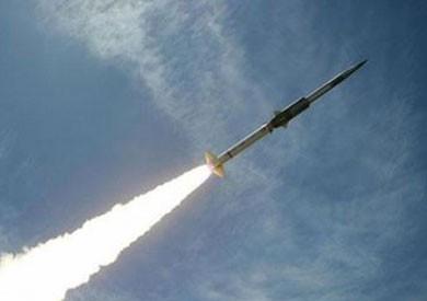 الدفاع الجوي السعودي يعترض صاروخا حوثيا فوق جازان