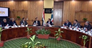 وزيرا البترول والنقل يبحثان البرامج الزمنية لتوريد البيتومين لمشروعات الطرق