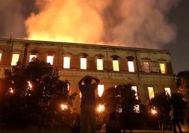 «الآثار» و«الخارجية» يتابعا حالة القطع الأثرية المحترقة بمتحف البرازيل