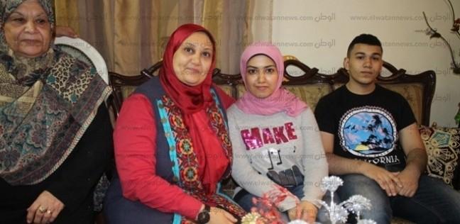 والدة الأولى بثانوية الدمج: قفلت التليفون في وش الوزير.. كنت فاكراه حد بيهزر