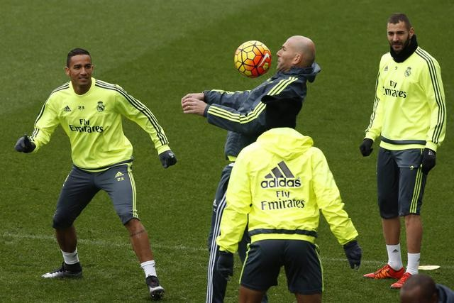 4 لاعبين يدعمون بقاء زيدان في ريال مدريد
