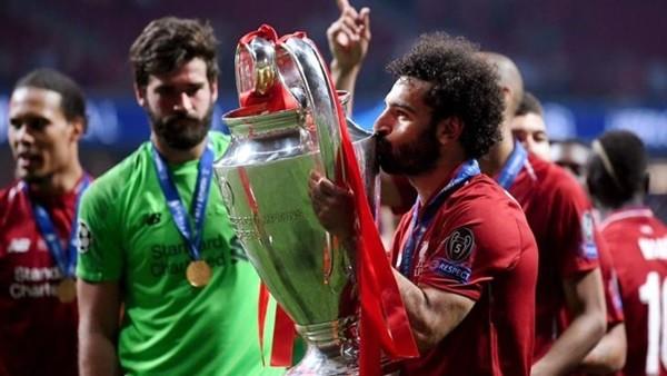 مفاجأة محمد صلاح يرحل عن ليفربول في الانتقالات الصيفية
