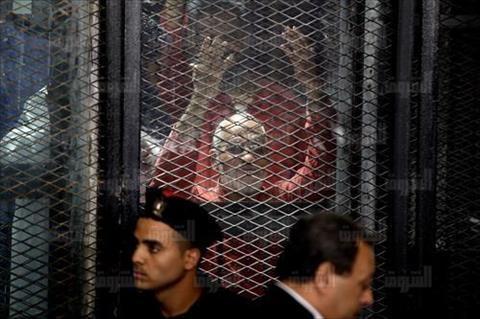 تأجيل محاكمة بديع و36 آخرين بـ«غرفة عمليات رابعة» إلى 3 ديسمبر
