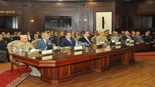 «السيسي» يتفقد مركز المعلومات وإدارة الأزمات بمقر وزارة الداخلية