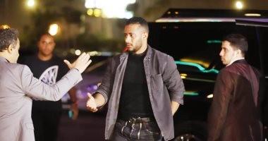 تامر حسنى ومحمد رمضان ودنيا سمير غانم يقدمون واجب العزاء فى هيثم احمد زكي