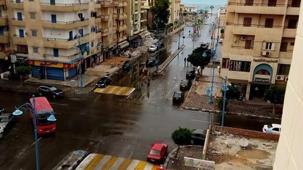 أمطار غزيرة تضرب مطروح والساحل الشمالي