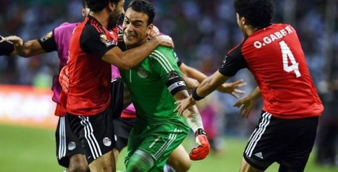 """اتحاد الكرة يكرم """"الحضري"""" في مباراة النيجر"""