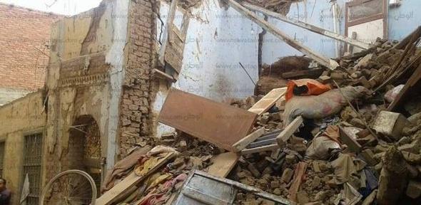 إصابة 5 أشخاص في انهيار غرفتين داخل منزل بسوهاج