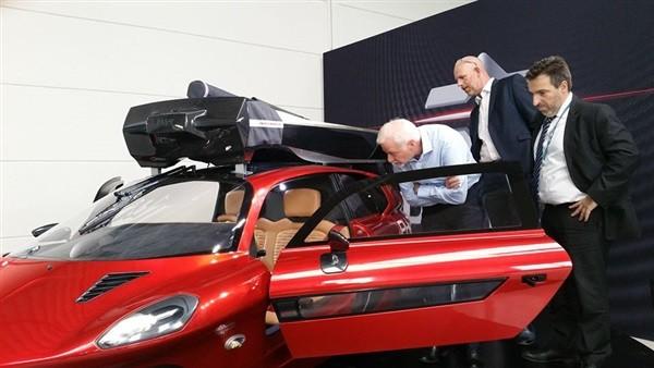 سيارة الأحلام.. ليبراتي أول سيارة طائرة برخصتي قيادة.. تعرف على سعرها.. فيديو وصور