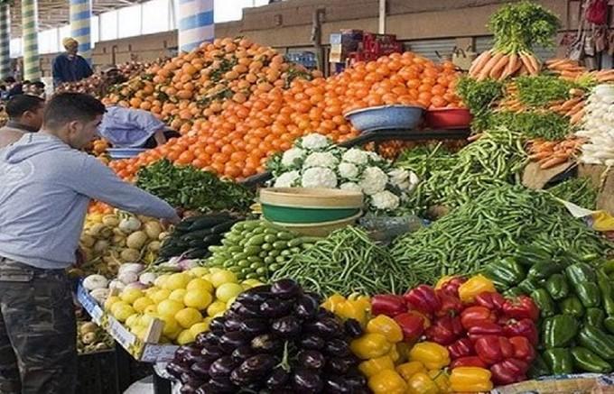 فيديو.. تعرف على أسعار الخضراوات والفاكهة اليوم في سوق الجملة