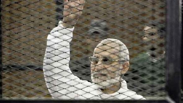 """تأجيل محاكمة بديع و739 متهما في قضية """"فض رابعة"""" لـ 10 ديسمبر"""